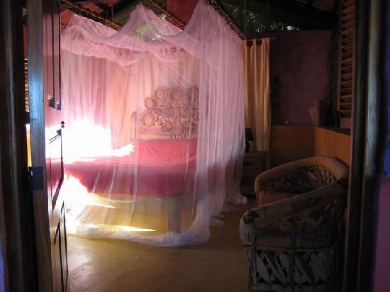 Casa Coco & Coco Cabana : CASA COCO Guest Bedroom w/ Bath
