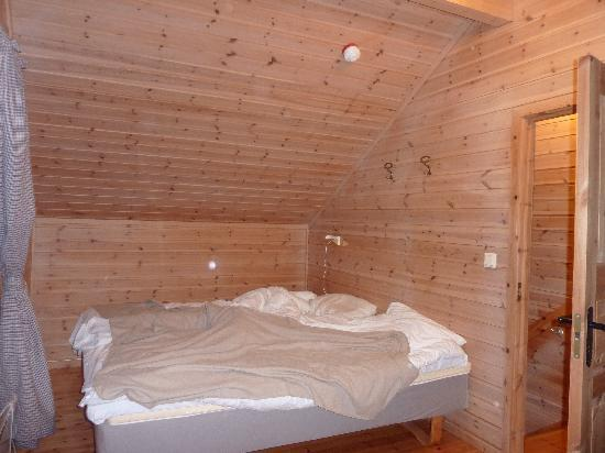 Sommaroy Arctic Hotel Tromso: upstairs bedroom 1