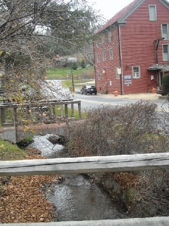 Hot Springs, VA: Old mill restaurant