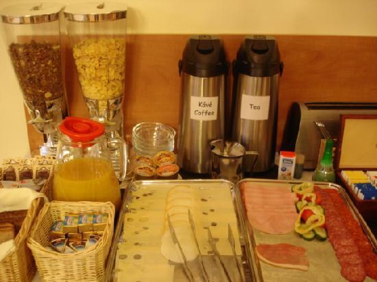Villa Korall: Breakfast