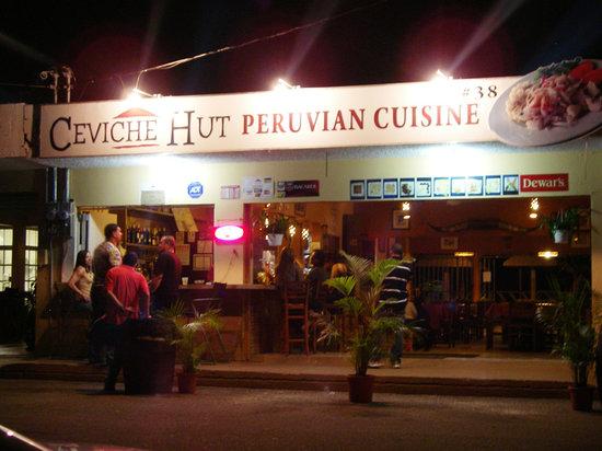 Ceviche Hut : the restaurant at night
