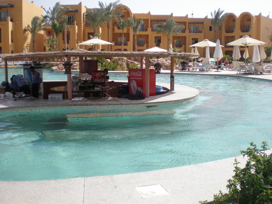 Stella Di Mare Beach Resort & Spa Makadi Bay: Pool Bar