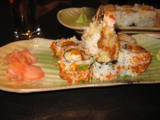 Brookline, MA: mmmm sushi!!