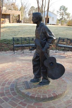 Tupelo, MS: Elvis Presley at the age of 13 Yrs.