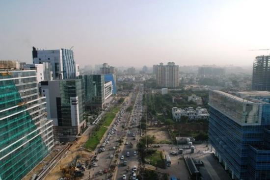 Gurgaon, Indien: And, cousin, business is a-booming!