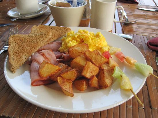 Alexandra Resort: Breakfast at the Orchid.