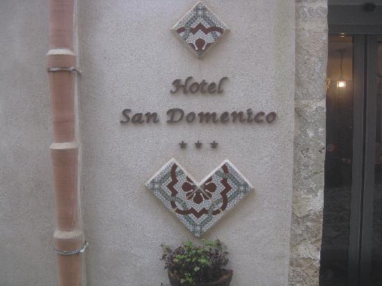 Hotel San Domenico: Hotel Entrance