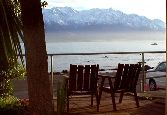 YHA Kaikoura Maui: View from patio