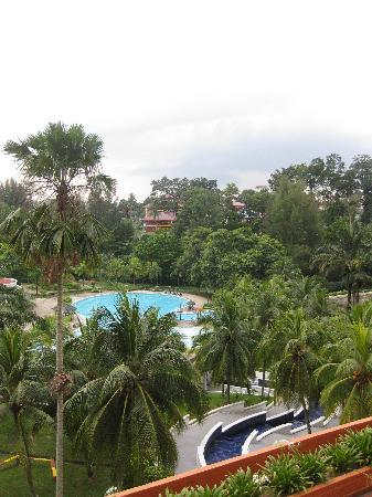 Klana Resort Seremban: the pool-a big one