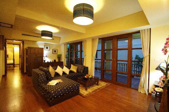 Shewe Wana Suite Resort : Living room