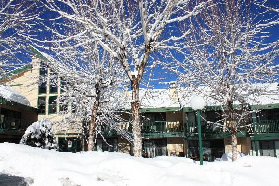 Lagonita Lodge: View of the snow-covered rec room/indoor pool area