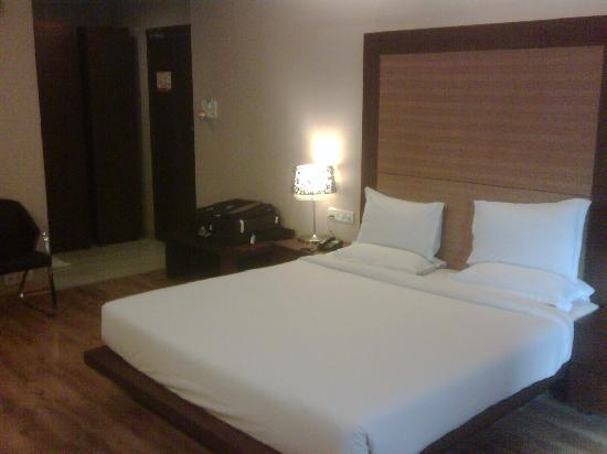 MD's Continental: Good spacious room