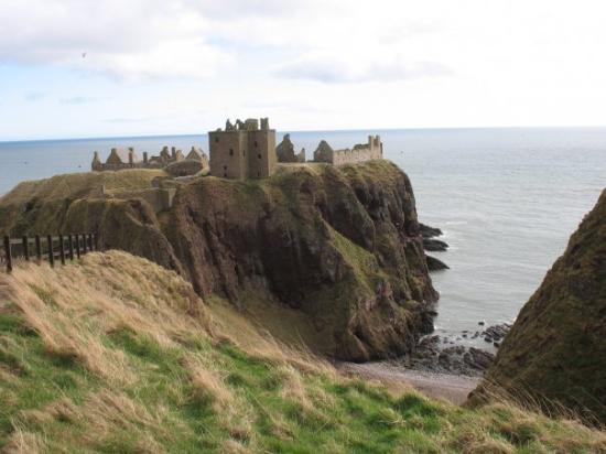 Dunnottar Castle: Dunnotar Castle @ Stoneheaven