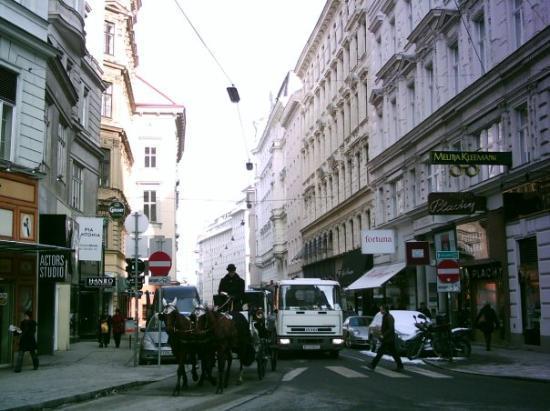 Wiener Neustadt, Østerrike: Stephanplatz/ Vienna