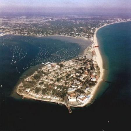 Пул, Англия, UK: This is where my mother grew up at....Sandbanks Poole Dorset England    beautiful country side