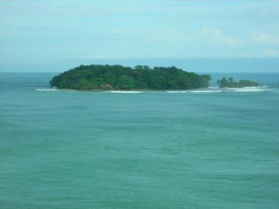 Puerto Limon, Costa Rica : the smaller island on the right is where christopher columbus landed in 1492