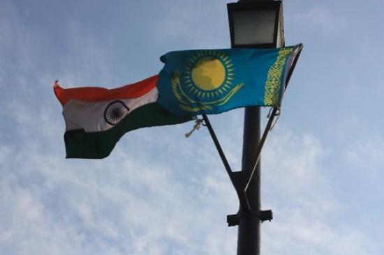 India Gate: I know the flag on the left is India's flag. Does anybody know what the flag on the right means?