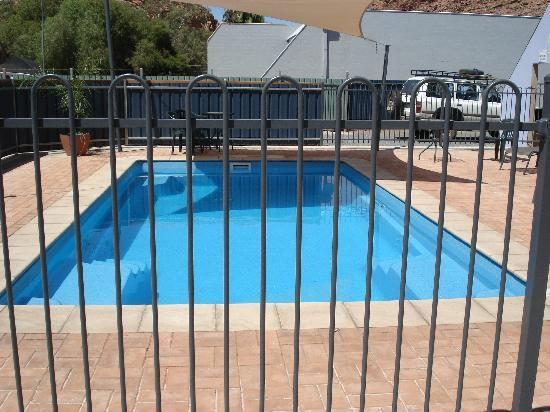 Alice Springs Airport Motel: pool at Airport Motel