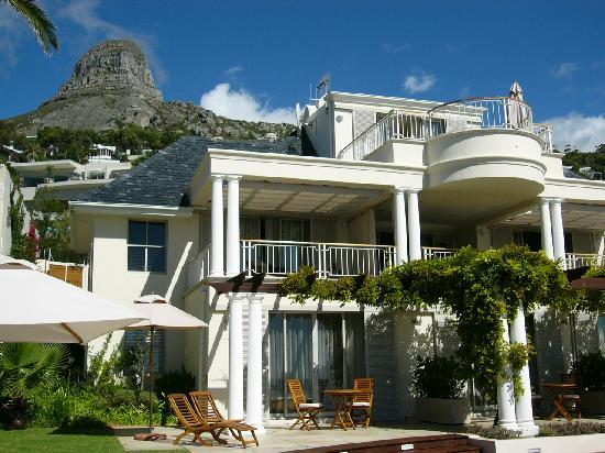 Compass House: Blick auf das Guesthouse mit Lions Head