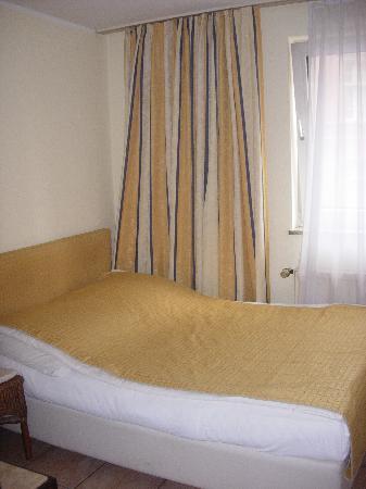 Hotel CityInn: Bed