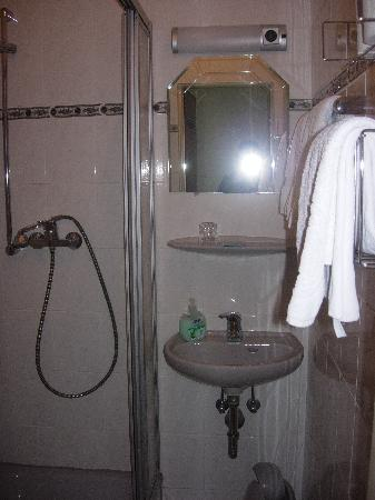 Hotel CityInn : Bathroom1