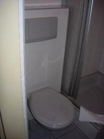 Hotel CityInn: Toilet