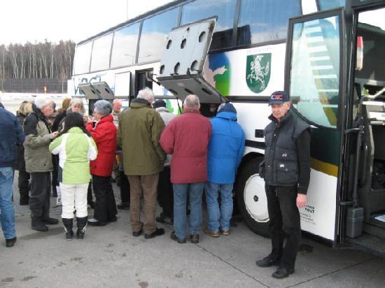 Hotel Schwarzes Ross: Mittagspause am Bus