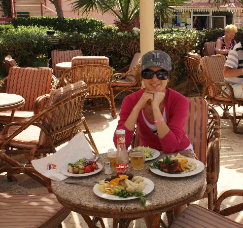 Beirut Hotel: Hotel Beirut lunch time