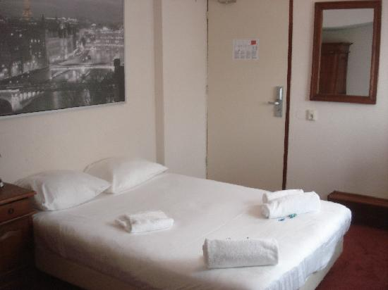 Euro Hotel Centrum: My neat and tidy room