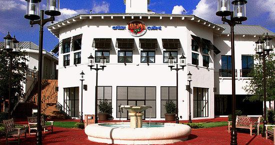 Taverna Opa: Centrally Located