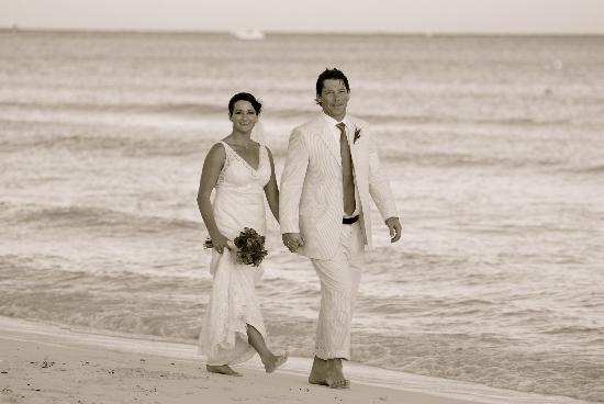 La Tortuga Hotel & Spa: Happily Married!