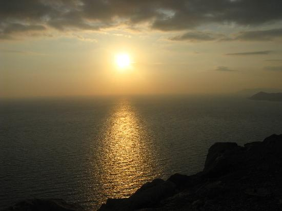 Perdikia Beach: Sunset over Olu Deniz