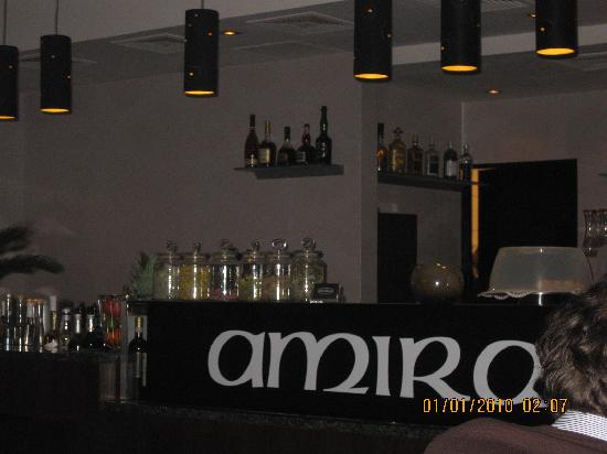 Amira Cafe & Bar: Bar