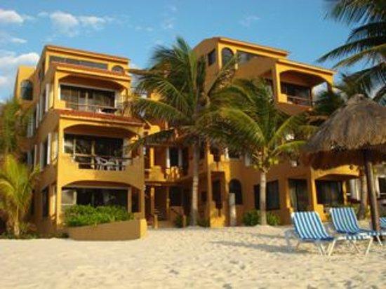 La Bahia - beachside