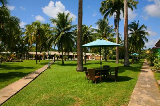 All Seasons Resort Europa: Our Tropical Lawns