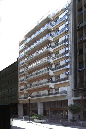 exterior economy hotel