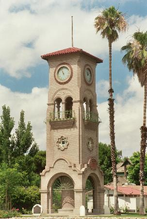 Bakersfield, Kalifornia: Beale Memorial Clock Tower