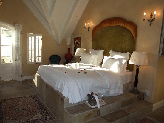 Birkenhead House: Our lovely room