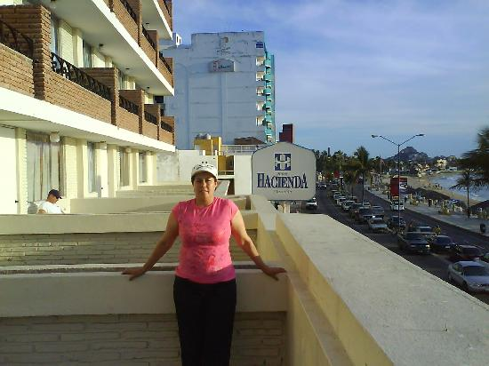 Hotel Hacienda Mazatlan: mi esposa con vista al viejo mazatlan