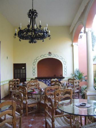 Casa de las Columnas - breakfast area