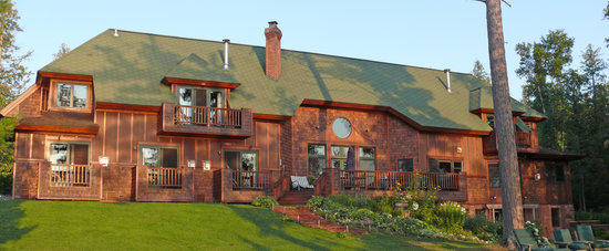 Siskiwit Bay Lodge Bed and Breakfast: On Lake Superior