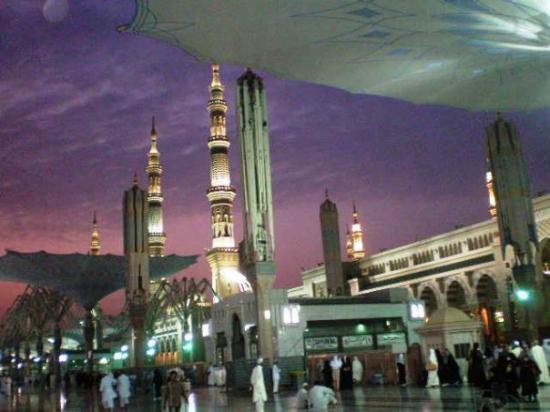 Medina, Arabia Saudita: dawn @ Nabawi Mosque