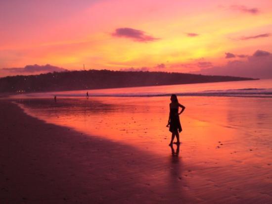Sun goes down at Jimbaran Bay