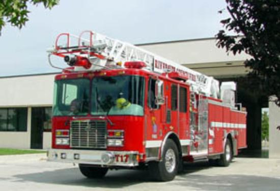 Jurupa Valley, Kalifornia: Riverside County Fire Truck 17. This was my ride every Sunday.