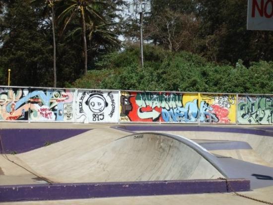 Paia, HI: Skate park graffiti!