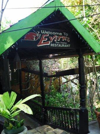 Evita's Italian Restaurant: Evitas~ Best little Pasta House!