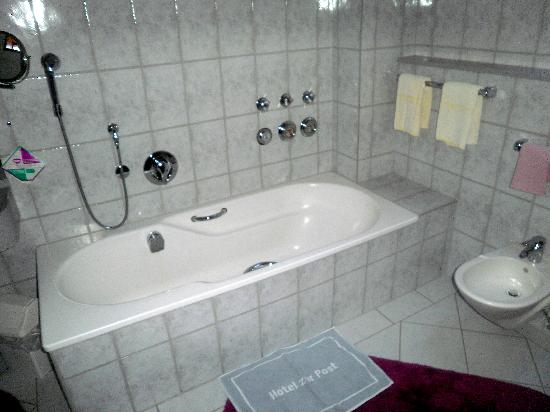Hotel zur Post: Large State of the Art Bathrooms