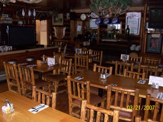 The Corral Bar & Steakhouse: nice rustic dinning area