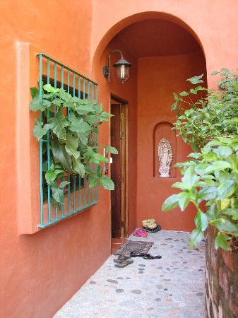 Casa La Ventana: Entry to our suite