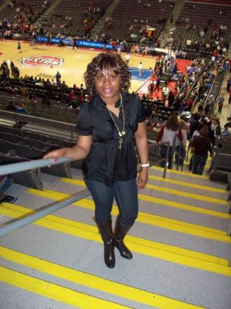 Auburn Hills, MI: me at a pistons game